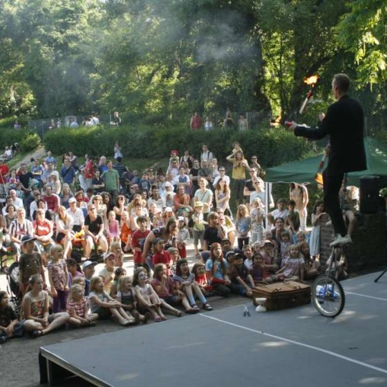 Jongleur-Jonglage-Comedyshow-micha-Gauklerfest Köln-Hochrad-Artistik