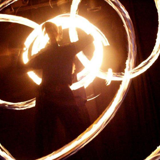 Baila fuego - Lichtshow und Feuershow- Siegen-Frankfurt-Köln-Ruhrgebiet