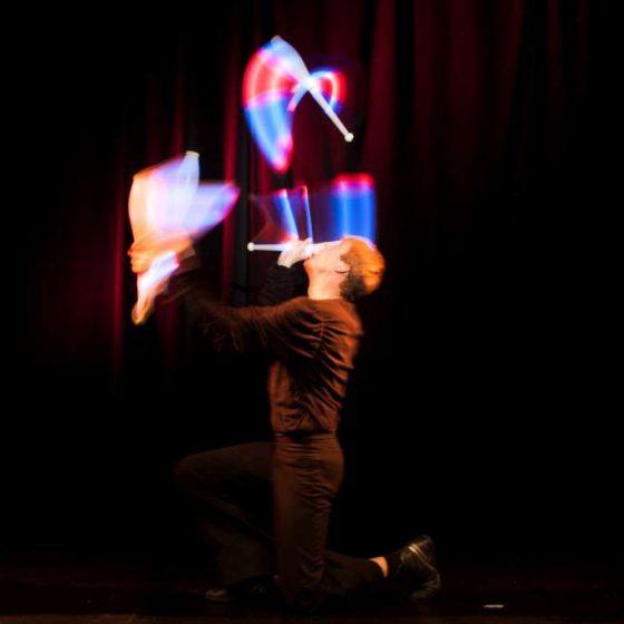Baila fuego - Lichtjonglage und Feuershow- Hochzeit-Gala-Varieté-Licht und Feuer