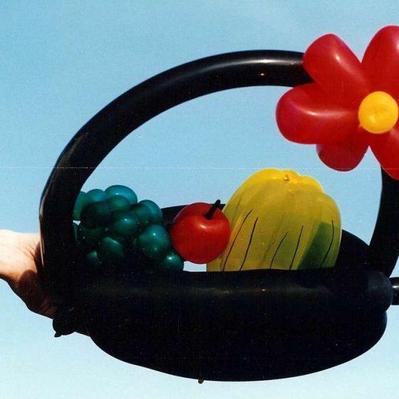 Ballonshow-Ballonfiguren-Obstkorb